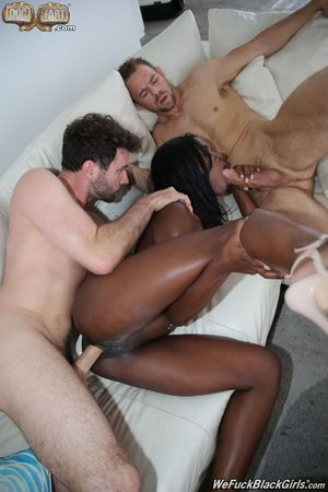 black and white lesbian threesome