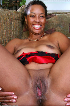 extremely hairy black pussy